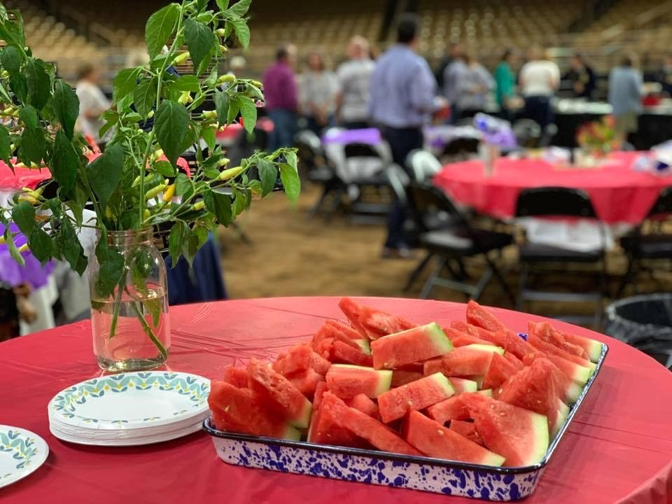 Young Professionals Celebrate Farm-to-Table Dining With Dinner On The Dirt